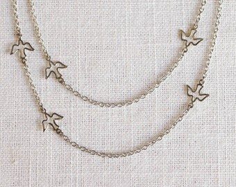 layered bird necklace . delicate bird necklace . bird silhouette necklace . flying bird necklace . delicate layered necklace // MIGL