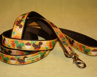 Acorn Leash in Gold and Green