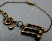 "Brass Musical Notes Bracelet // Treble Clef Charm // Music Lovers // 7"" Chain Bracelet // Gift under 15"
