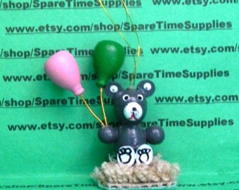 """Fibre Craft - 6209gray - Wooden Miniature Bear with Balloons - approx 2 1/2"""" - 1 pc"""