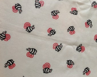FQ Tiny Graphic Bees