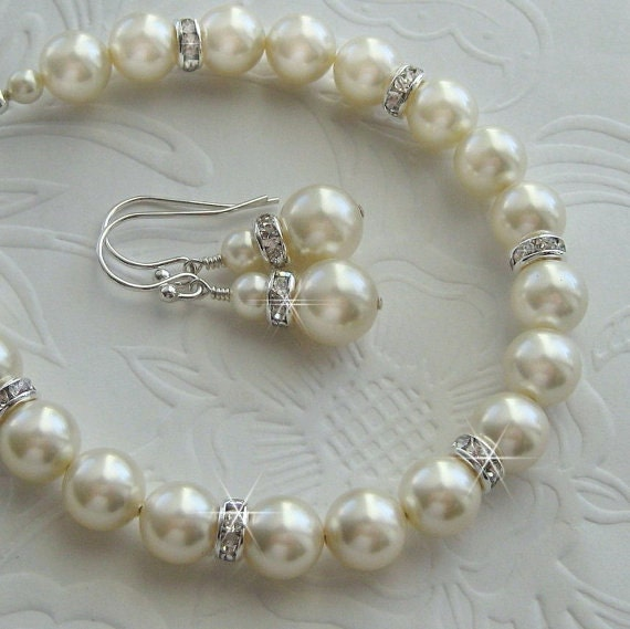 Pearl Jewelry Set  for the Bride or Bridesmaid - Crystal and Pearl Bracelet and Earring Set in White or Ivory Pearls - Wedding Jewelrly..