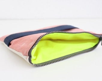 Dyed pink salmon small clutch II