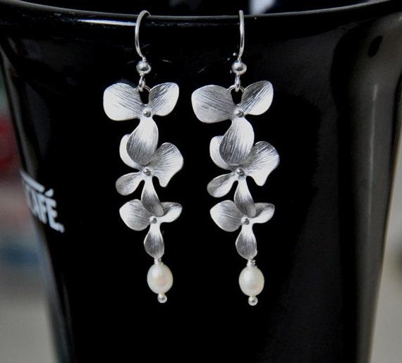 Dangle earrings, Orchid Flower earrings, Silver Earrings,  Freshwater pearls, rhodium plated flowers, sterling silver, Bridal Jewelry