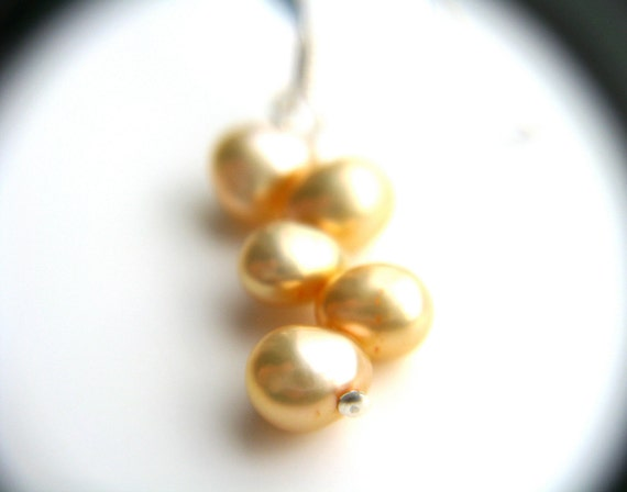 Vanilla Cream Pearl Earrings Bridesmaid Jewelry . Freshwater Pearl Earrings . June Birthstone Jewelry . Champagne Jewelry - Plath Collection