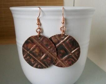Round copper metalwork earrings - copper jewelry - fold formed copper earrings