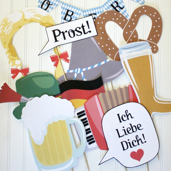 Oktoberfest photo booth props printable diy printable for Accessoire decoration