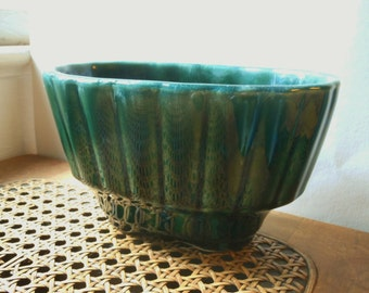 Vintage Green Drip Hull Oval Planter