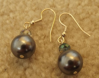 Handmade Jewelry, Beaded Pierced Earrings, Gray Pearls, Silver, Crystal Rondelles, Sparkly, Elegant