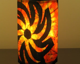 "Batik Accent Lamp ""Vulcan Star"""