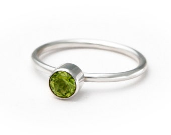 Sterling Silver Green Peridot Ring, Stack Ring, 50% OFF, size 7.5