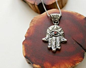 Hamsa Hand necklace (med.)