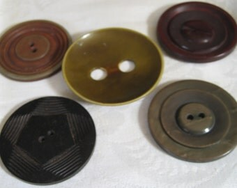 Lot of 5 Large VINTAGE Celluloid & Plastic BUTTONS