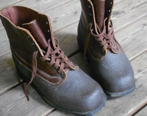 1965 SWEDISH MILITARY BOOTS, leather, rubber, Tretorn, quality work boot, excellent condition