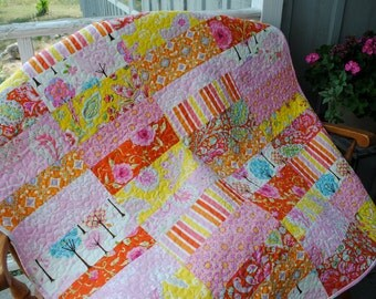 Pretty Little Things Handmade Baby Toddler or Lap Quilt