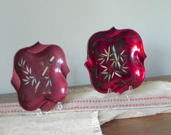 Vintage Otagiri Chinoiserie Lacquer asian trinket trays ashtrays coin dishes whatnot - beautiful red inlaid bamboo