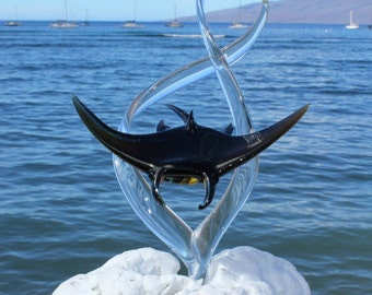 Manta Ray glass sculpture