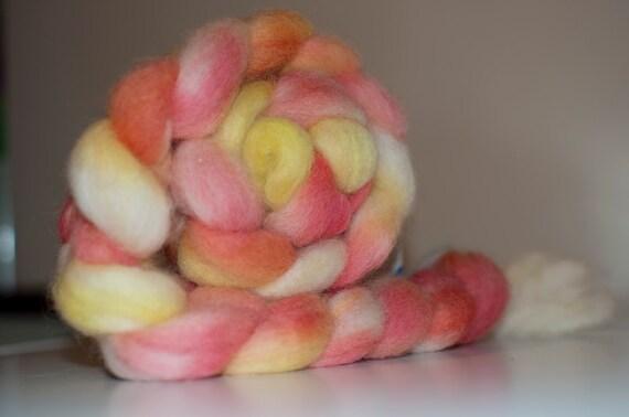 100g Handpainted White Norwegian Roving in Candy Corn Colourway