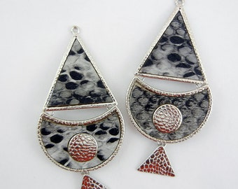 Pair of Ethnic Drop Charms Hammered Silver-tone with Leopard Print