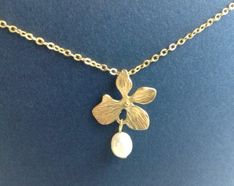 Gold Flower and Pearl Necklace