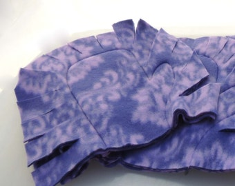 Purple Filigree Reusable Fleece Dust Mitten