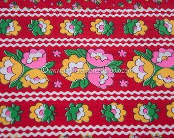 Blooming Border Print - Vintage Fabric Mod Tulips Juvenile Rick Rack 70s