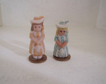 Penney dolls set of two little girls with bonnets