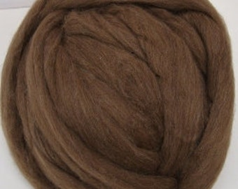 Moorit Shetland/ Shetland Wool/ Brown/ Roving/ Combed Top/ Spinning/ Felt/ Natural Color/ 16 oz/ How to Spin Yarn/ Wool/