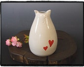 Cute White Cat Bud Vase/Reed Diffuser with Red Hearts by misunrie