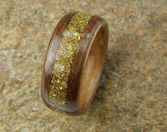 Bentwood Ring Walnut with Glass Glitter Inlay