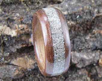 Bentwood Ring Walnut with Silver Glass Glitter Inlay
