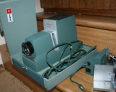 Argus 300 Slide Projector Vintage 1960s Blue Green with Carrying Case