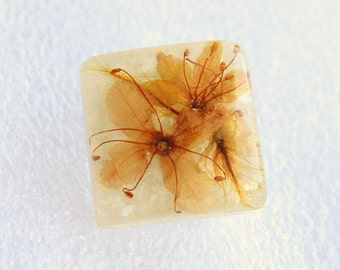 1950s Dried Flowers Brooch Vintage Lucite Tiny Yellow Orange Feminine Square PIn
