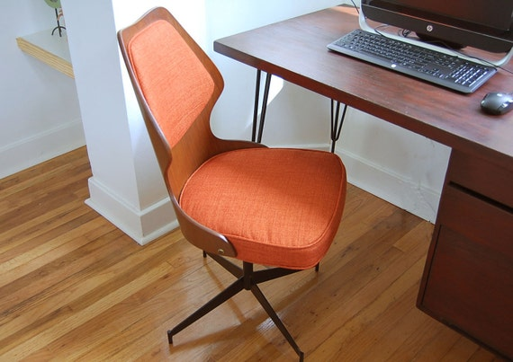 on reserve for virginia bentwood swivel chair mid century. Black Bedroom Furniture Sets. Home Design Ideas