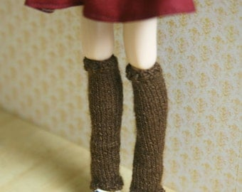 jiajiadoll hand-knitting leg warmers in brown fit momoko and blythe