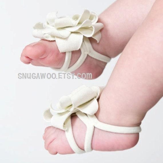 White Baby girl flower barefoot sandals feet shoe new by ...