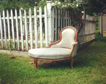 Periwinkle Blue and Gold Wooden Chaise Longue Lounge Chair - Antique Furnature
