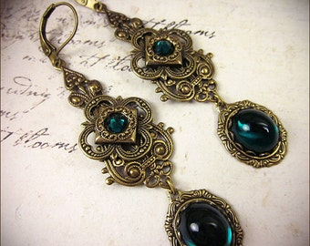 Emerald Renaissance Earrings, Green Jewel, Borgias, Medieval Jewelry, Tudor Costume, Anne Boleyn, Bridesmaid, Bridal, Garb, Avalon