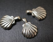 Antique Silver Plated Shell Pendants -22mmx 15mm- 10 pcs