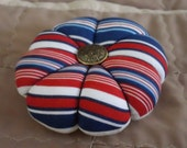 Pincushion Patriotic Red White and Blue Striped Fabric-Round Pincushion-Great Gift for Quilter or Learning to Sew FaAP OFG CPLG HaFAIR Ab4B