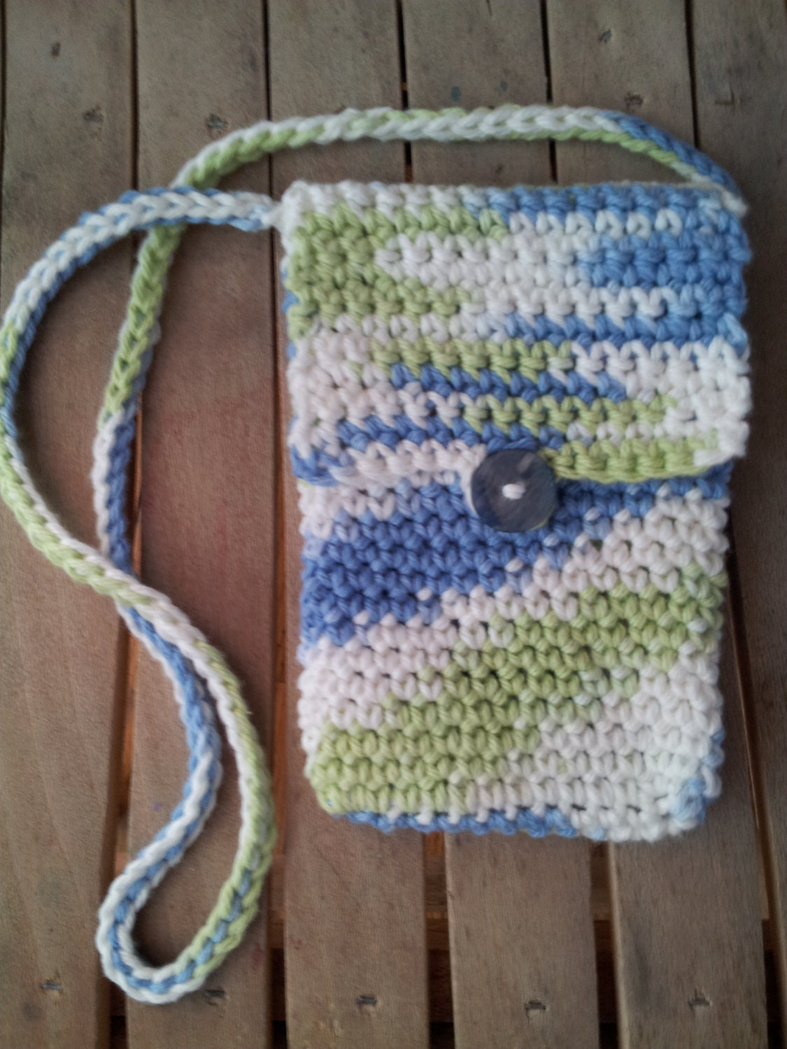 MOBILE PHONE BAG. Small Bag. Click Here for Image. This pattern is meant to join new millenium technology with that '70 look that now is very vogue (like crochet is!). The pattern should be adapted to the size of your phone, but it is very easy and, I hope, good looking.