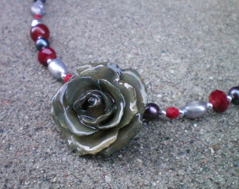 Free Shipping Sparkle and Shine REAL Grey TEA ROSE and Garnet Ruby Gray Crystals, Pearls Sterling Silver Necklace