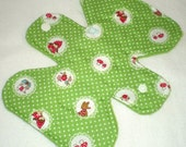 "Little Red Riding Hood Scallops - Green - 7.5"" inch - 2L- Reusable Cloth Pad"