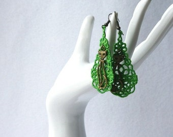 EARRINGS - Chandelier Drop - Apple Green - Antique Gold Cat Charm - Free Standing Lace Embroidery