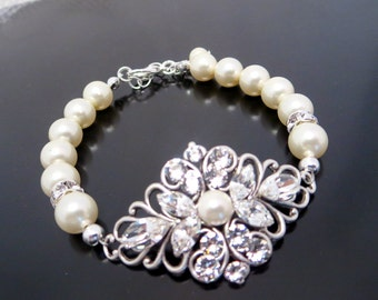 Bridal jewelry, Wedding bracelet, Swarovski crystal bracelet, Bridal bracelet, Cuff bracelet, Pearl bracelet, Vintage style bracelet