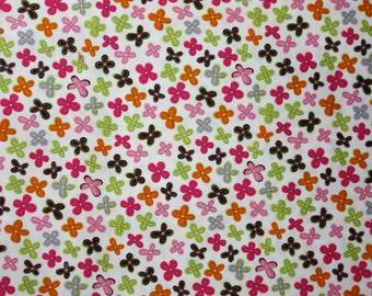 Handpicked Tiny Flowers in Cream by Camelot Cottons  - 1 Yard