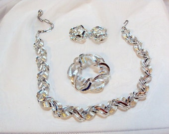 Vintage Kramer Set Silver tone Necklace, Earrings, and Pin