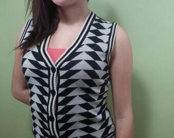 Vintage Geometric Vest - Pattern Top - 70s 80s Black / Tan Printed Shirt
