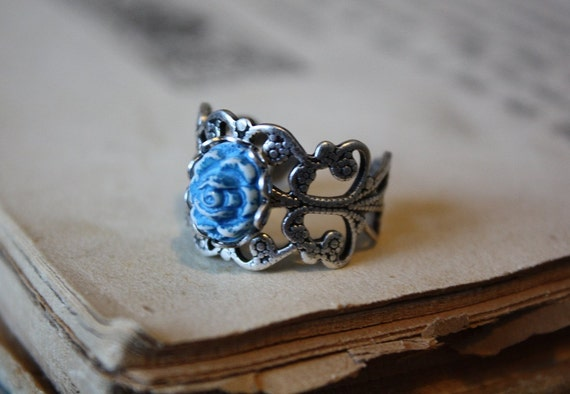 Beauty and the Beast Ring - Blue Rose - Rose Ring - Victorian Style