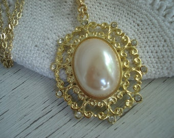 Vintage Pearl and Rhinestone Gold Pendant Necklace Victorian Inspired Floral